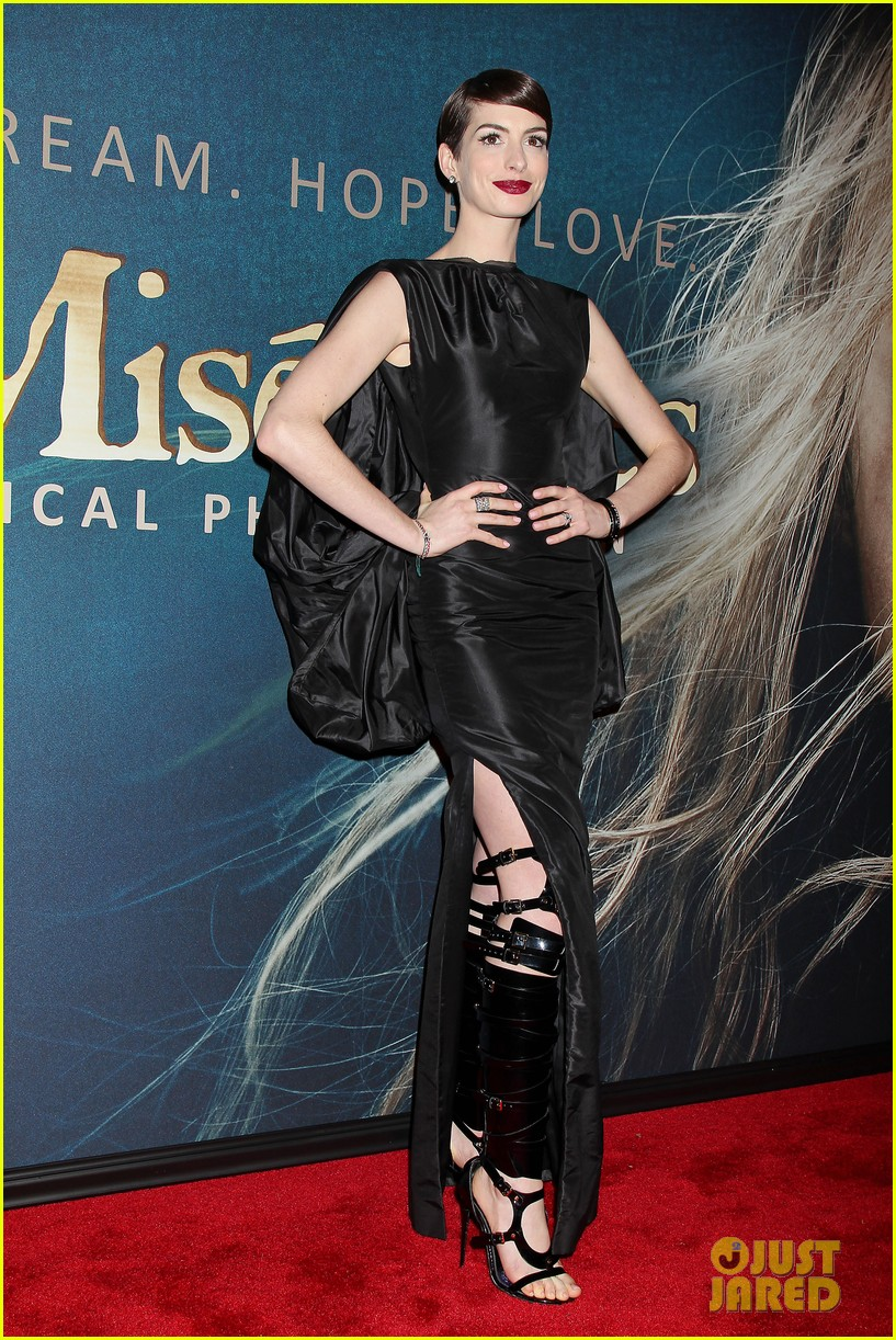 anne hathaway les miserables new york premiere 112773266