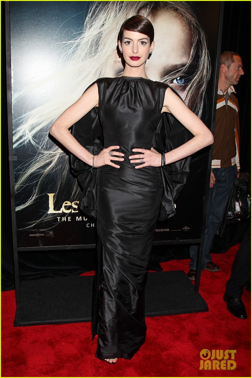 anne hathaway les miserables new york premiere 132773268