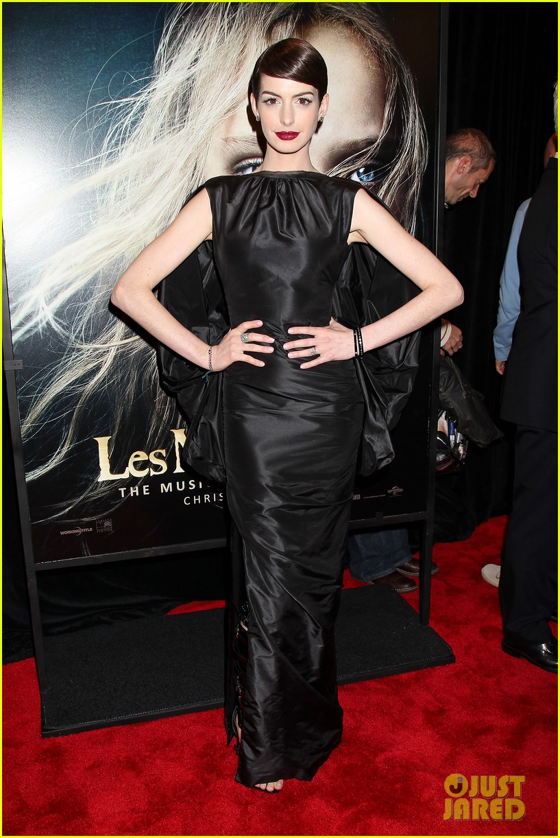anne hathaway les miserables new york premiere 152773270