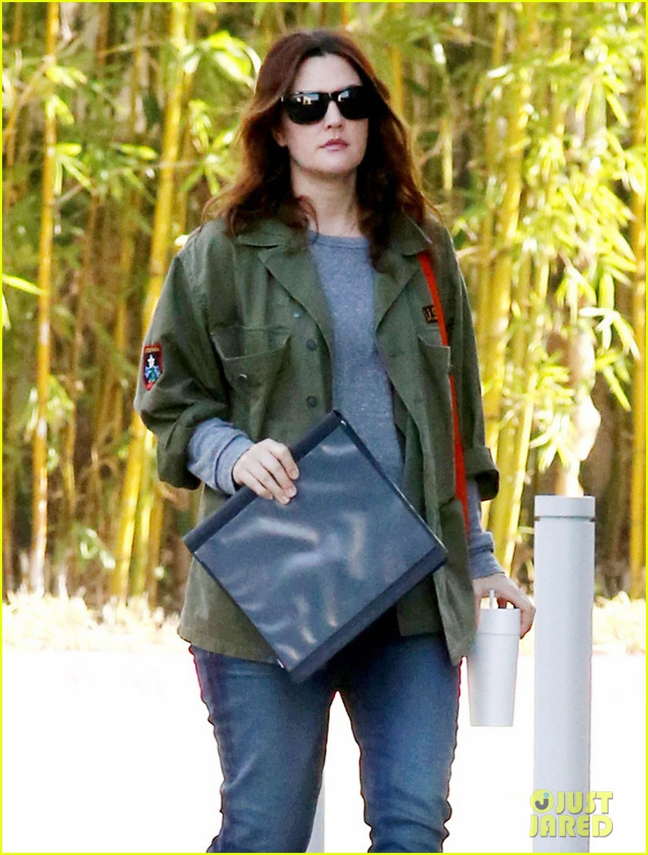 drew barrymore olive not a crying baby 072772751