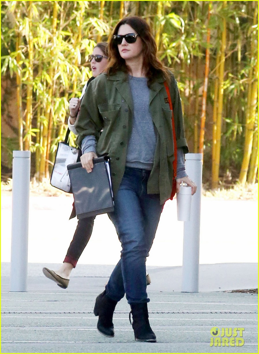 drew barrymore olive not a crying baby 102772754