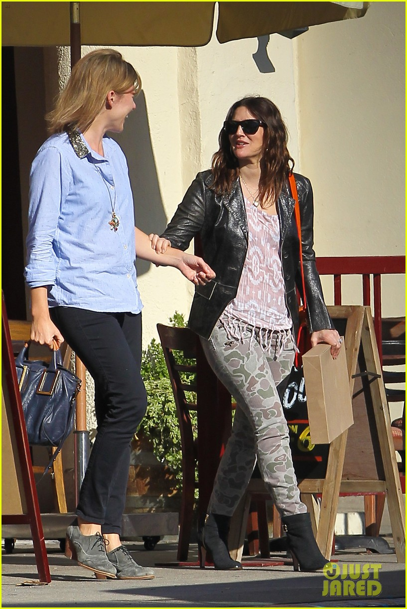drew barrymore laughing at lunch 232773673