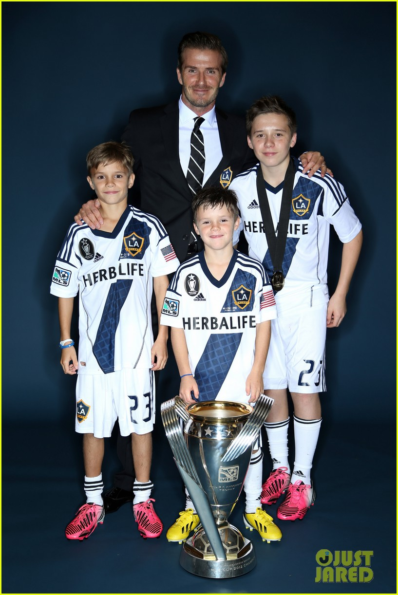 david beckham celebrates final galaxy win with his sons 152767626