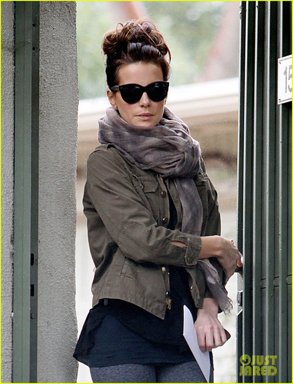 kate beckinsale retail therapy with len wiseman 09