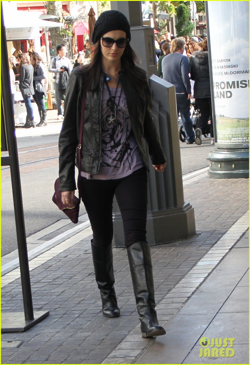 camilla belle my last minute shopping is getting done 012780506