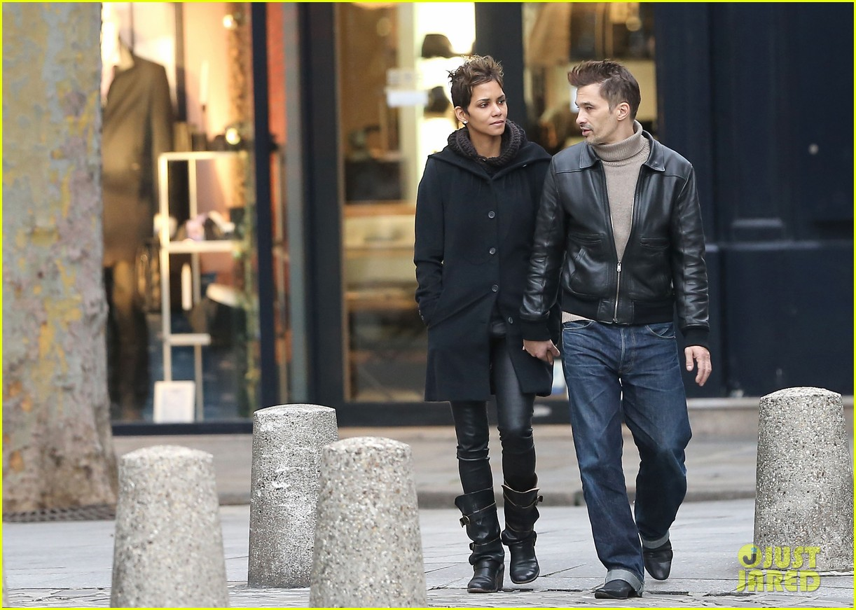 halle berry olivier martinez visit churches in paris 182780089