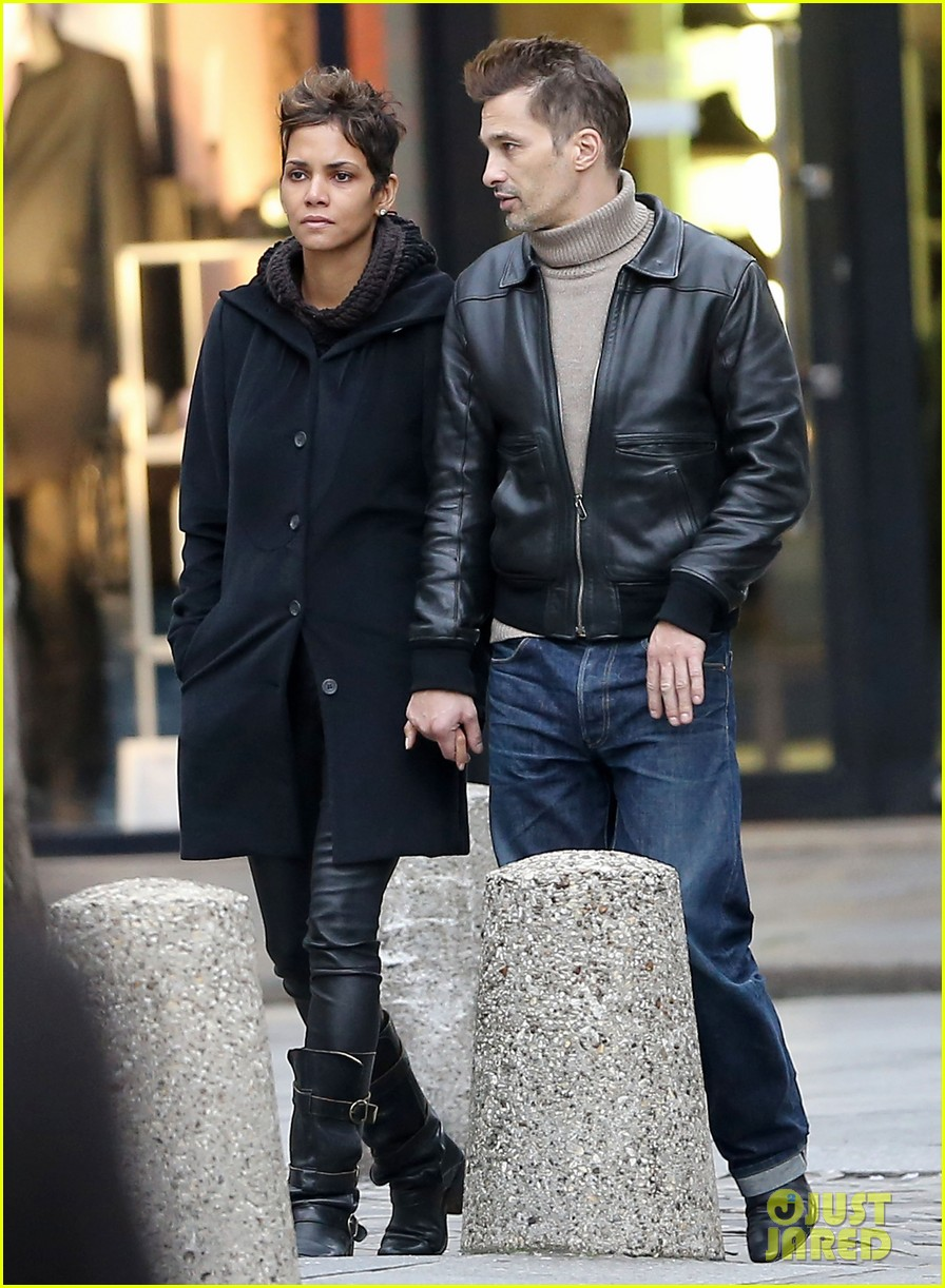 halle berry olivier martinez visit churches in paris 202780091