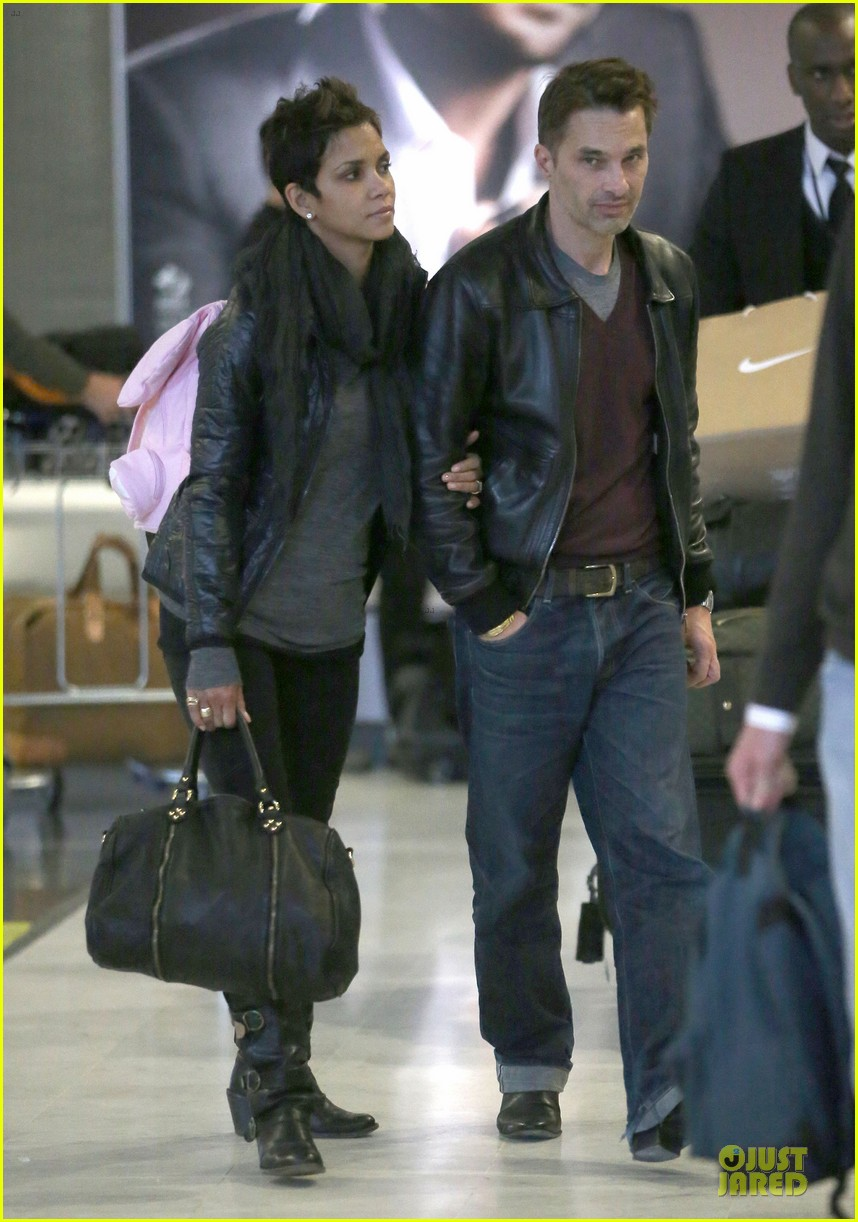 halle berry & olivier martienz paris for the holidays 152779560