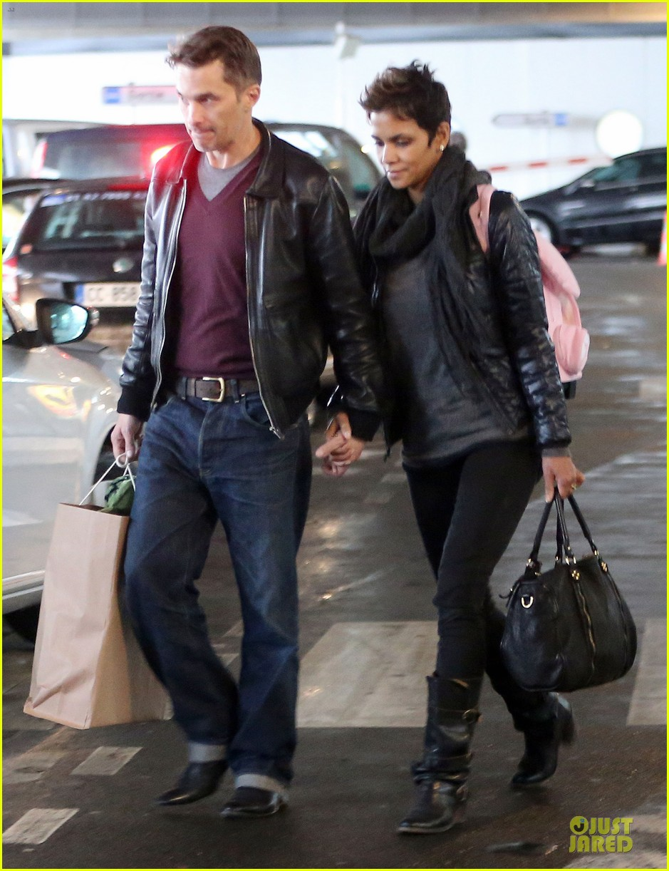 halle berry & olivier martienz paris for the holidays 192779564