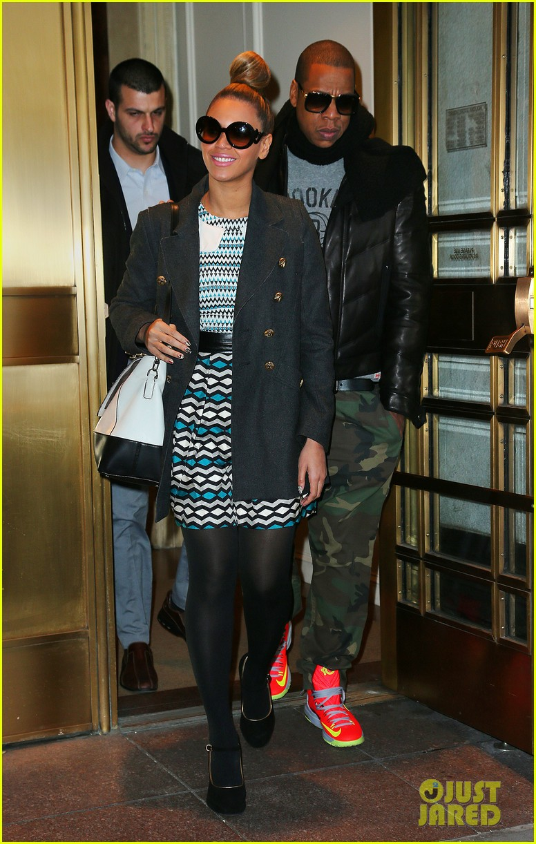 beyonce jay z christmas eve holiday shopping 012780652