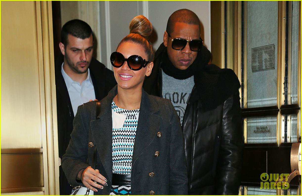 beyonce jay z christmas eve holiday shopping 022780653