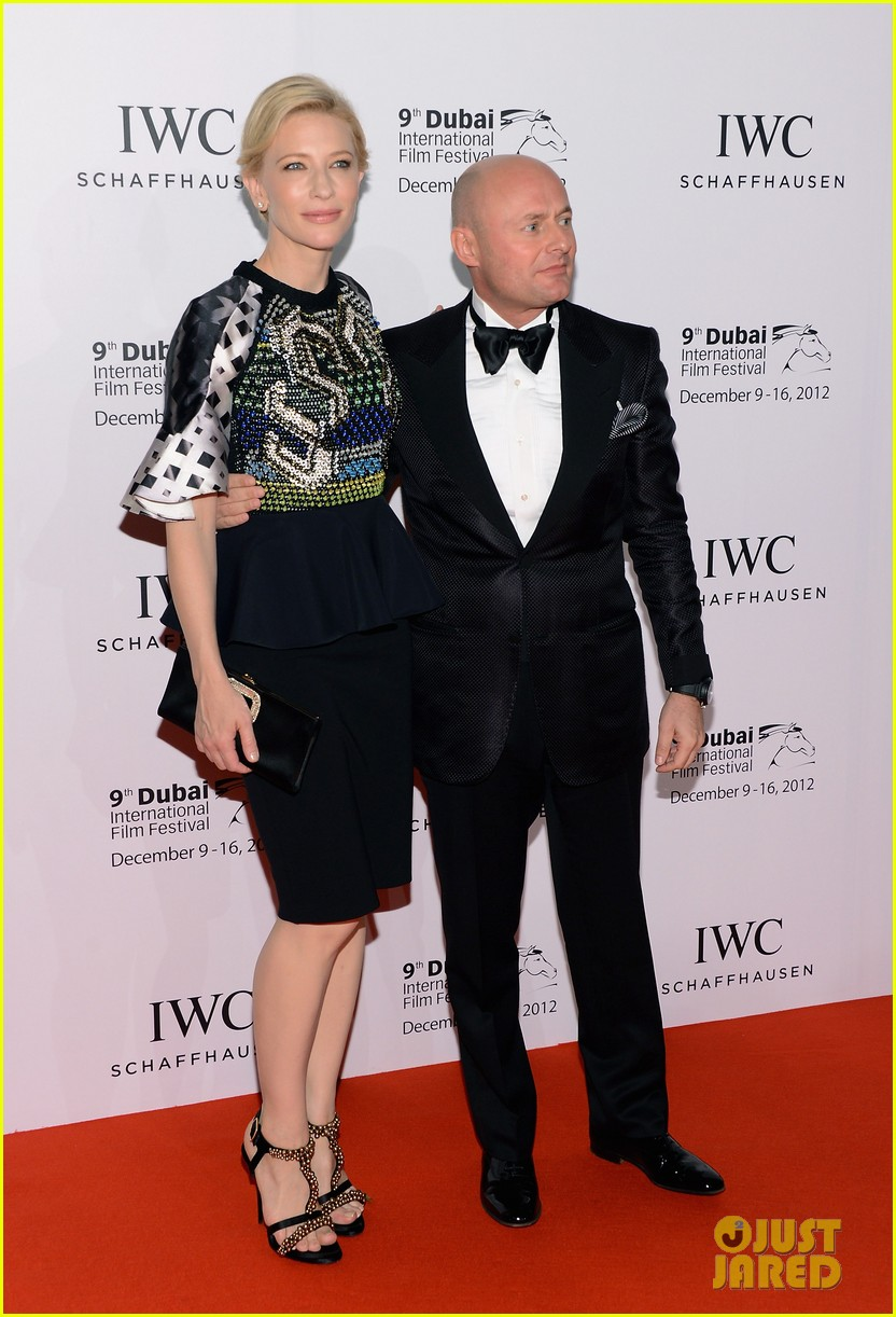 cate blanchett filmmaker award gala dinner in dubai 03