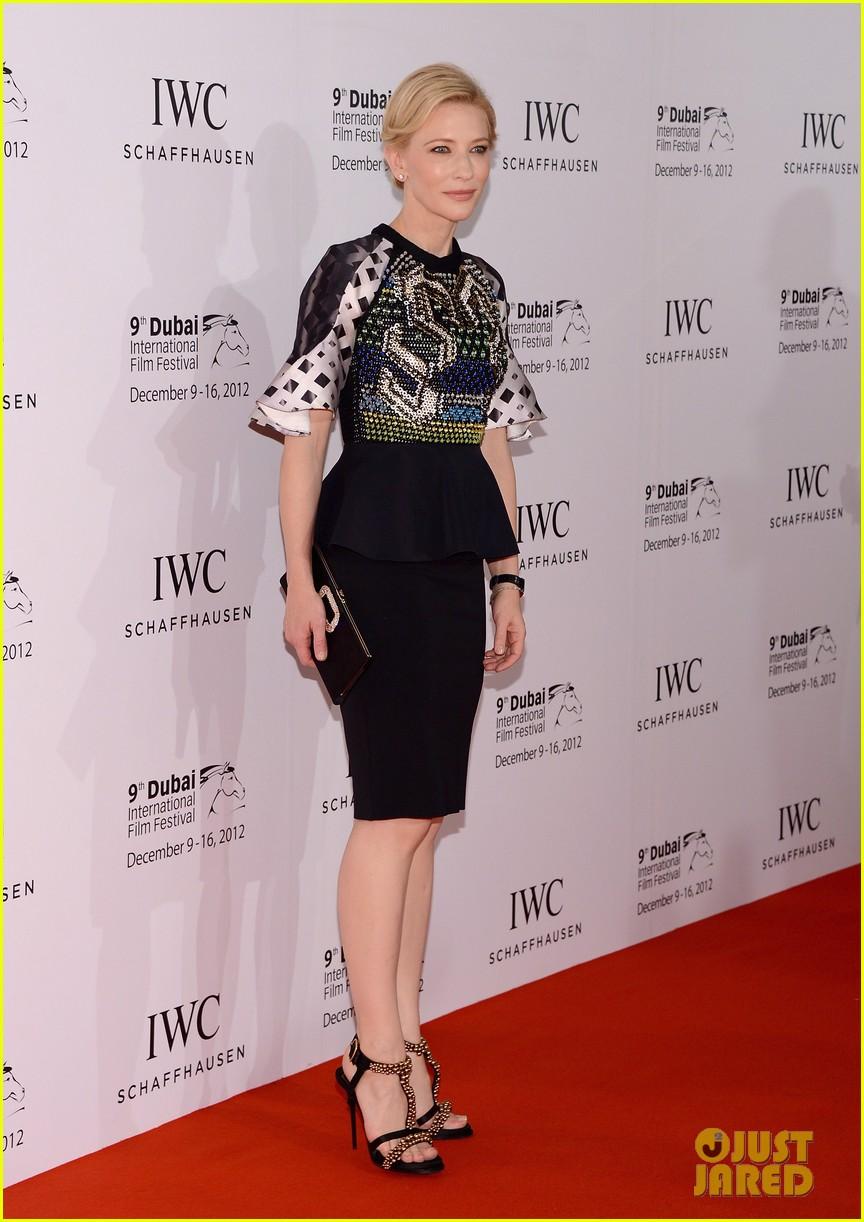 cate blanchett filmmaker award gala dinner in dubai 082773054