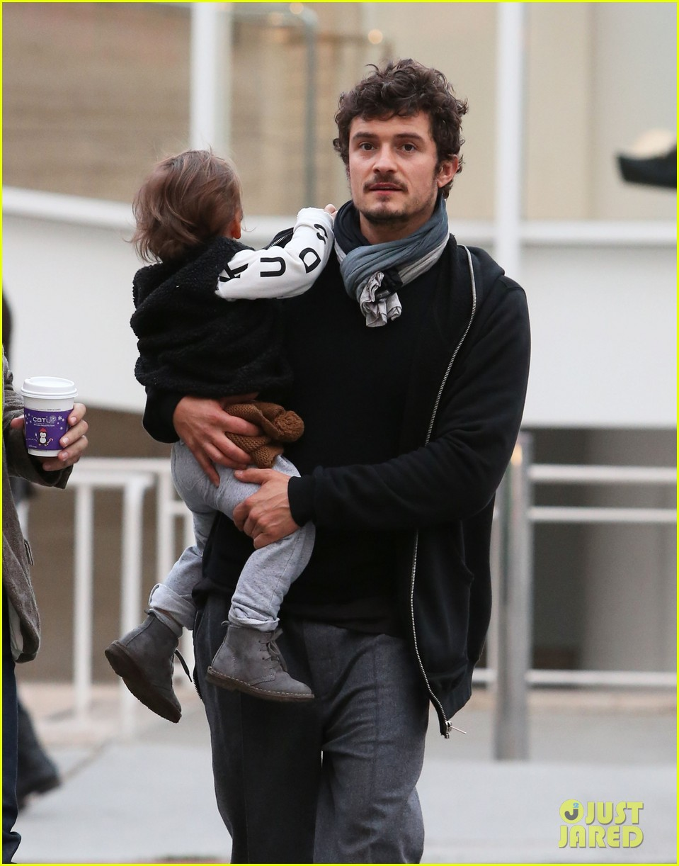 orlando bloom christmas shopping with flynn 142779829