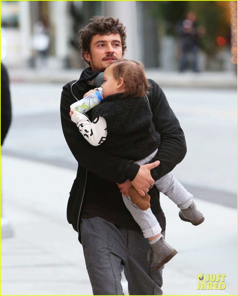 orlando bloom christmas shopping with flynn 192779834
