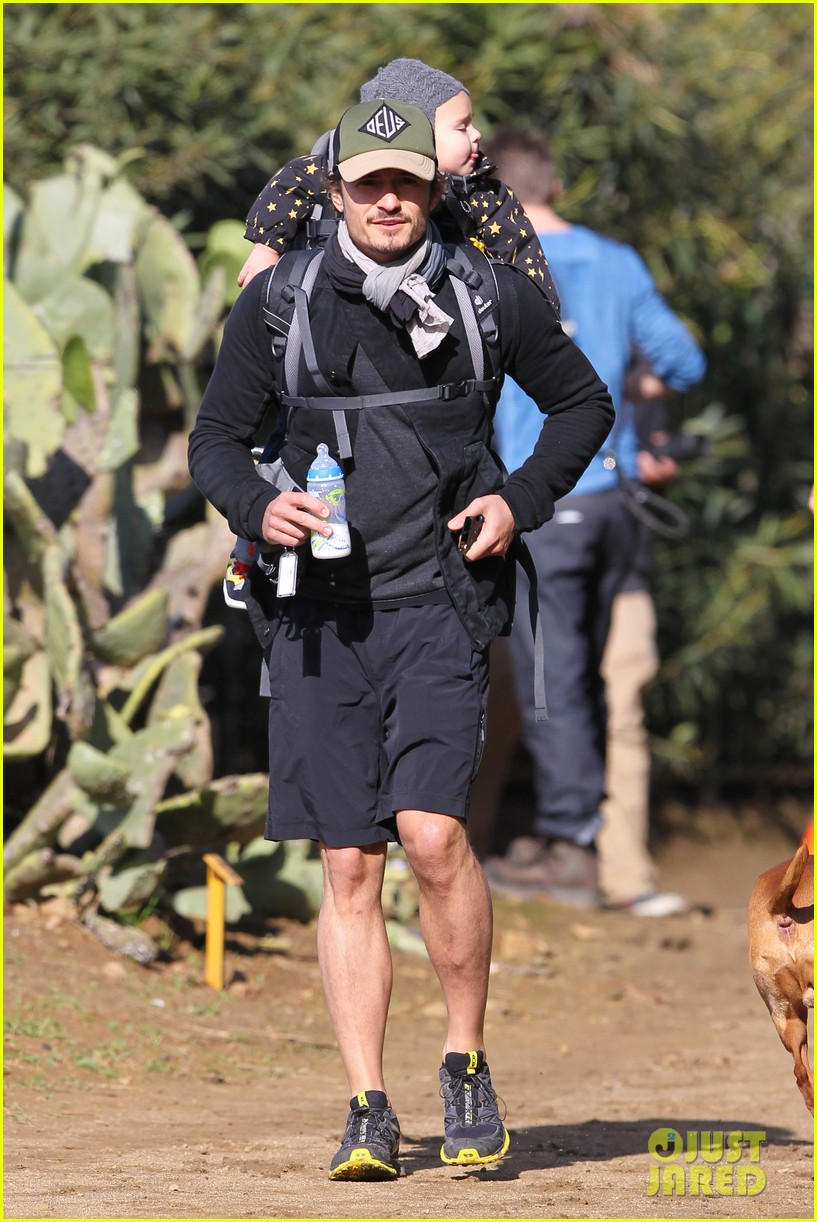 orlando bloom runyon canyon hike with flynn 072782386