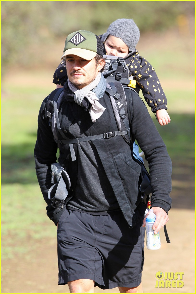 orlando bloom runyon canyon hike with flynn 132782392
