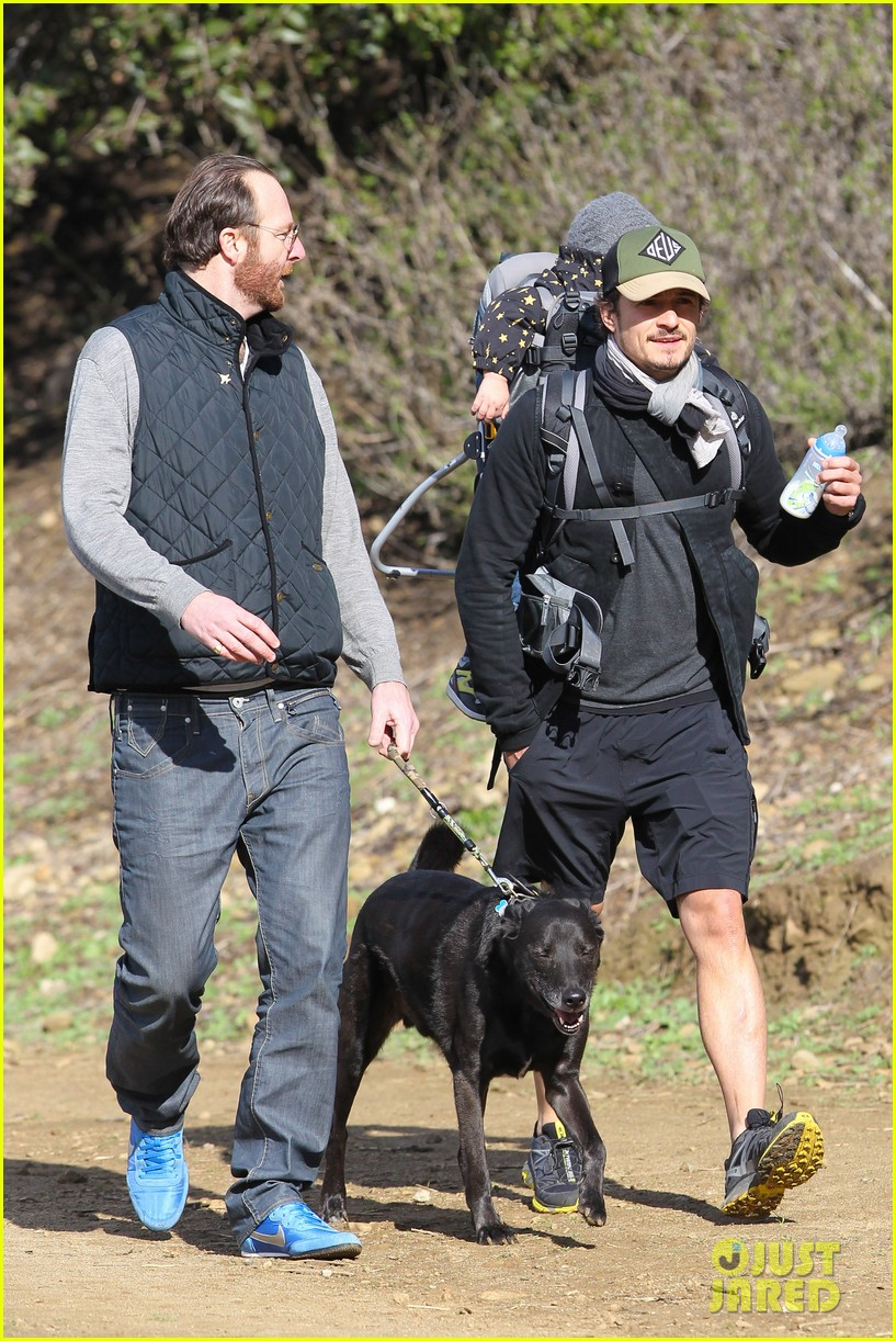 orlando bloom runyon canyon hike with flynn 272782406