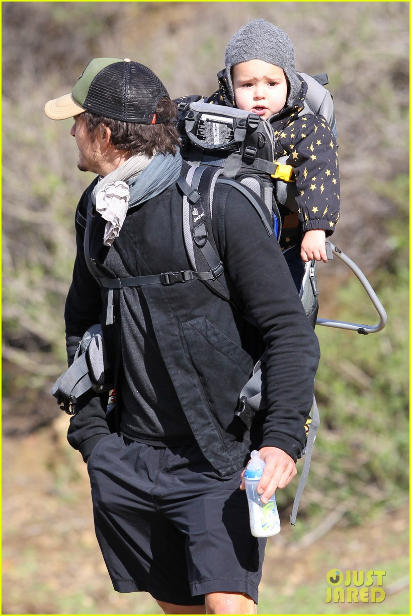 orlando bloom runyon canyon hike with flynn 312782410