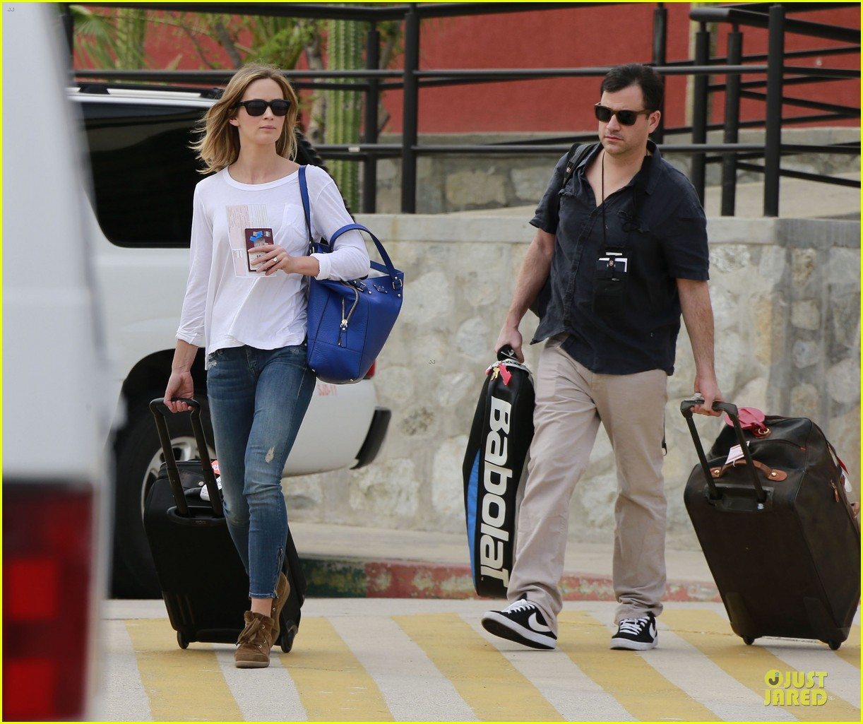 emily blunt & john krasinski arrive at jennifer aniston cabo crib 04