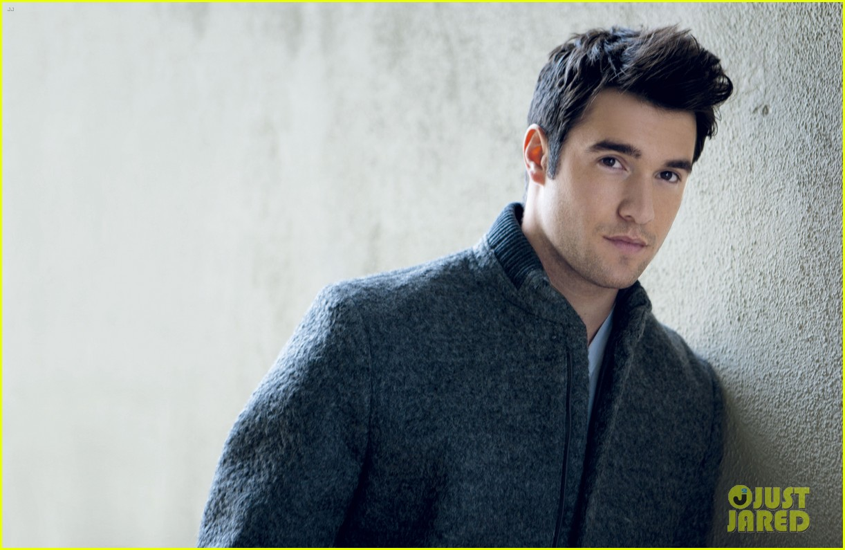 emily vancamp films revenge josh bowman is da man 102775722
