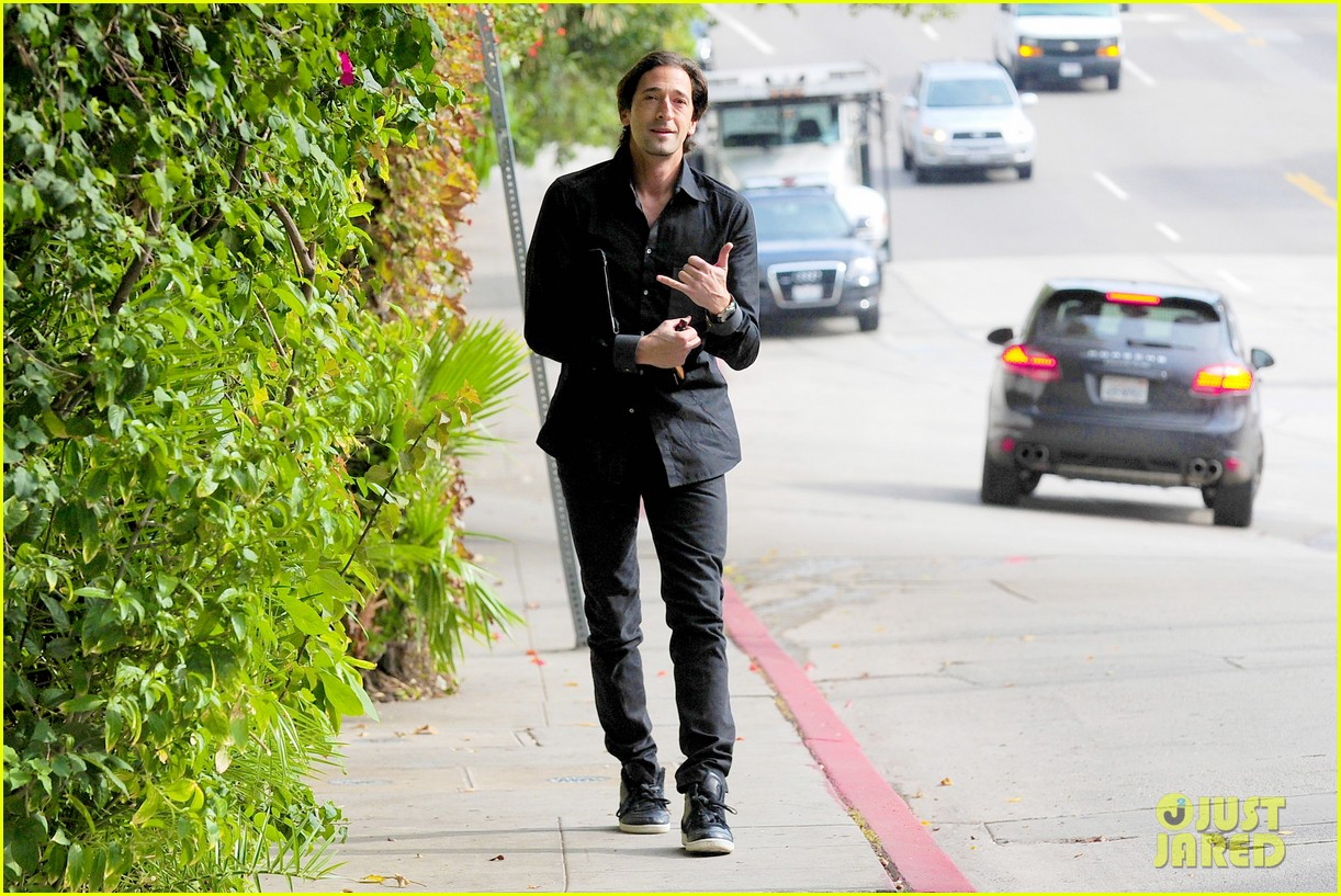 adrien brody chelsea lately appearance watch now 032769595