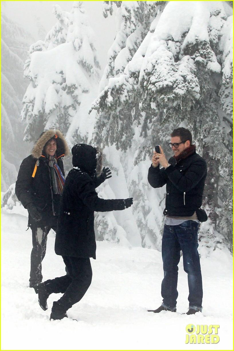 michael buble luisana lopilato snowy sweethearts 142781641