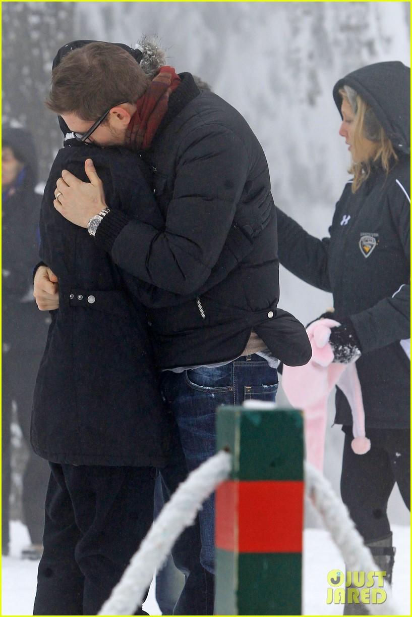 michael buble luisana lopilato snowy sweethearts 242781651