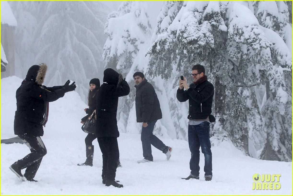 michael buble luisana lopilato snowy sweethearts 252781652