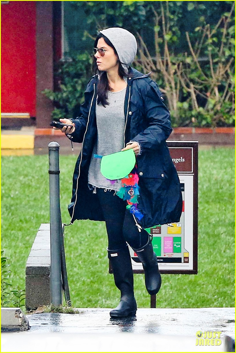 sandra bullock school drop off with rain boots 19
