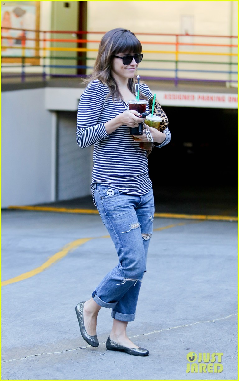 sophia bush drink run 06