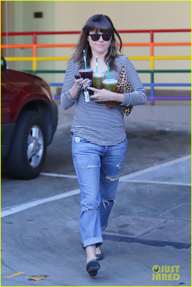 sophia bush drink run 142779424