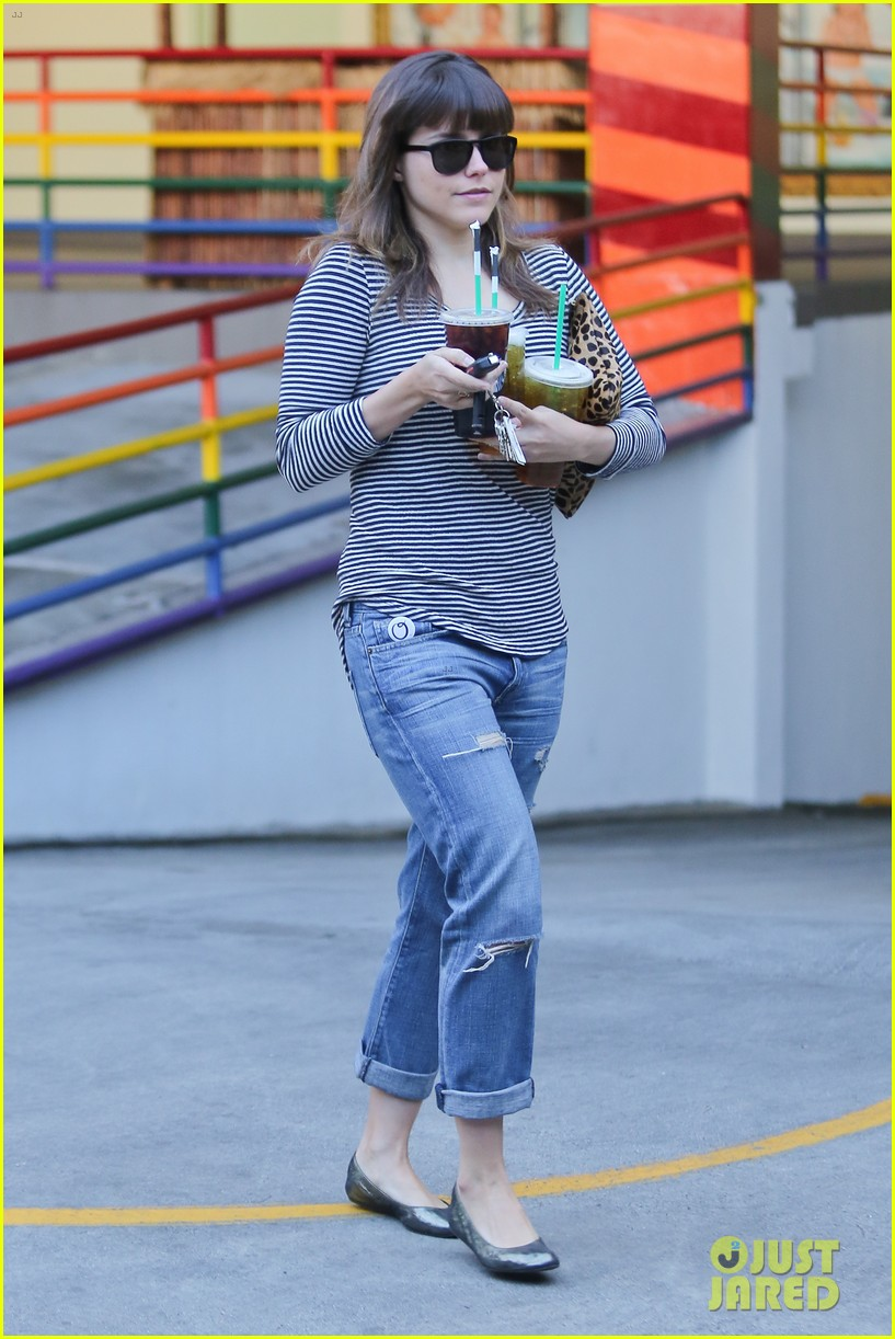 sophia bush drink run 152779425