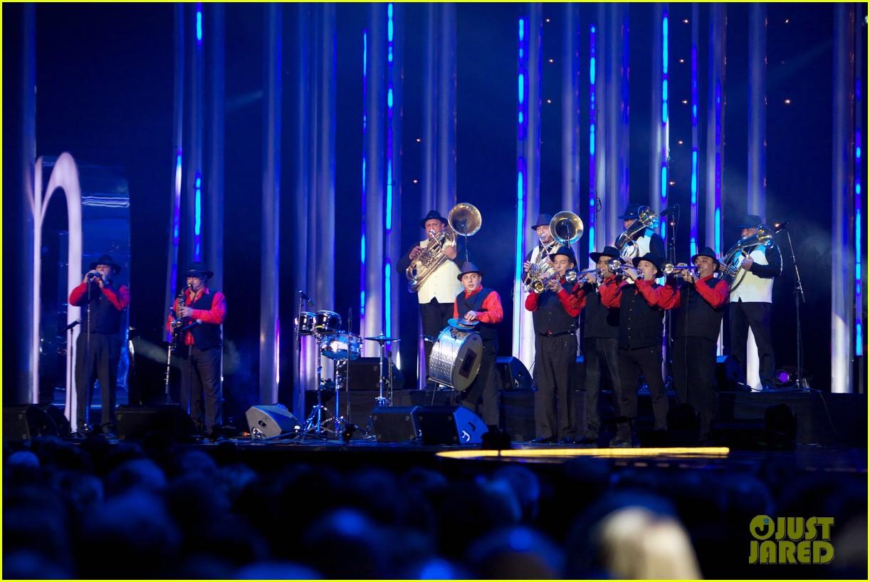 gerard butler sarah jessica parker nobel peace prize concert 11