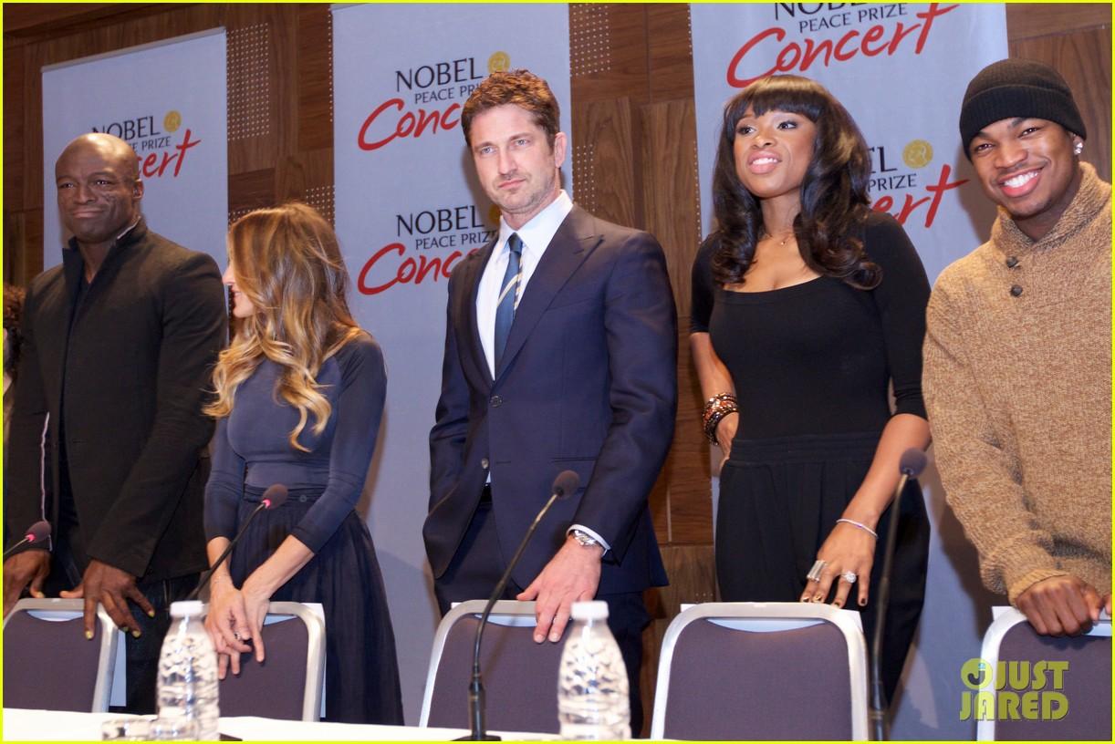 gerard butler sarah jessica parker nobel peace prize concert press conference 032773686