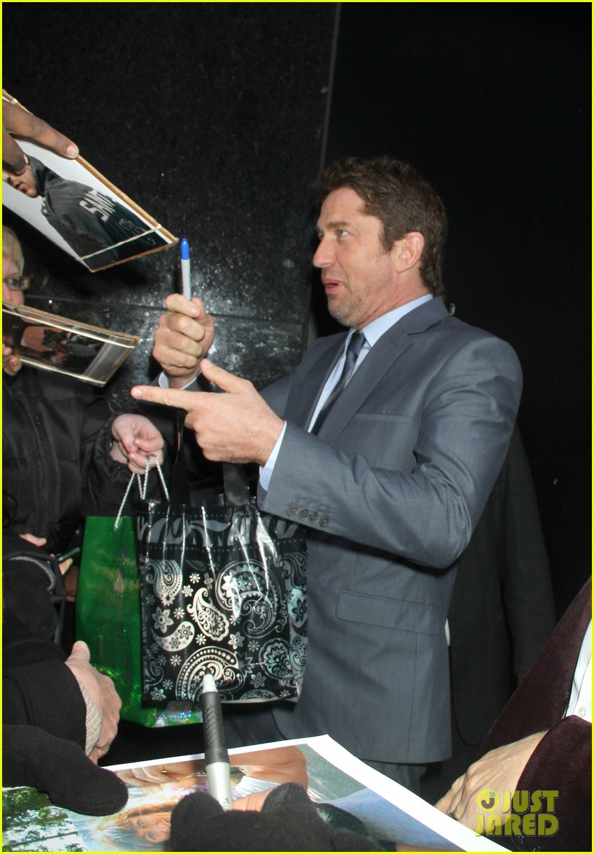 gerard butler promotes playing for keeps on gma 11