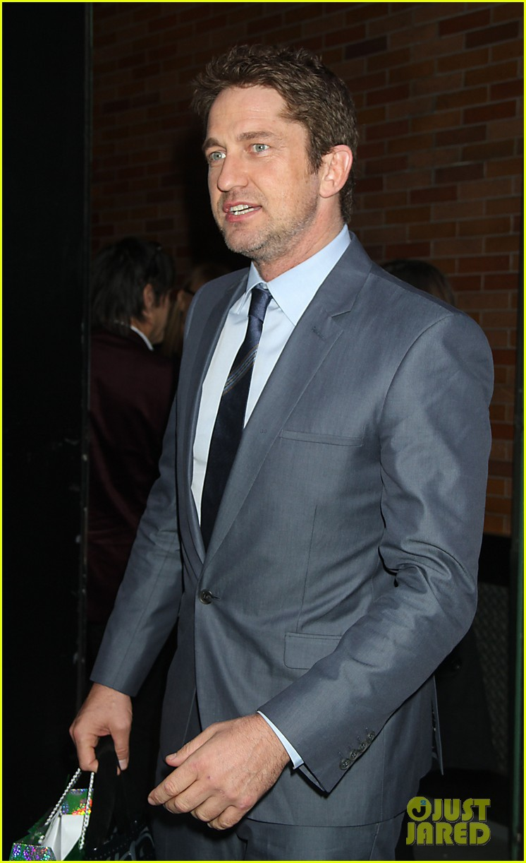 gerard butler promotes playing for keeps on gma 152769723