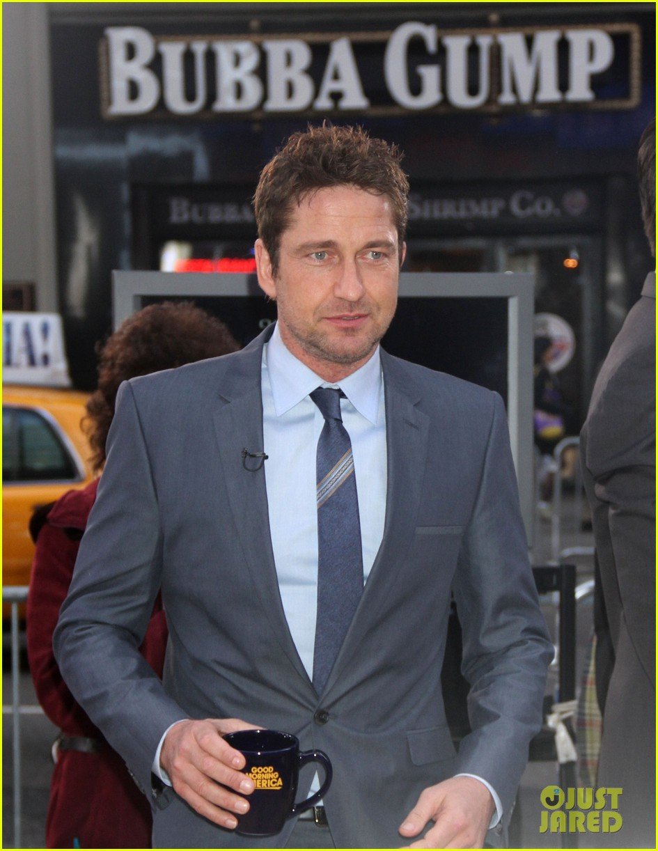 gerard butler promotes playing for keeps on gma 16