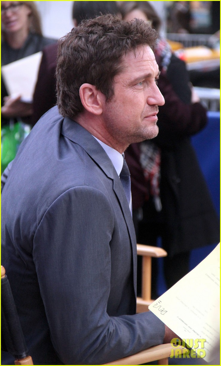 gerard butler promotes playing for keeps on gma 182769726