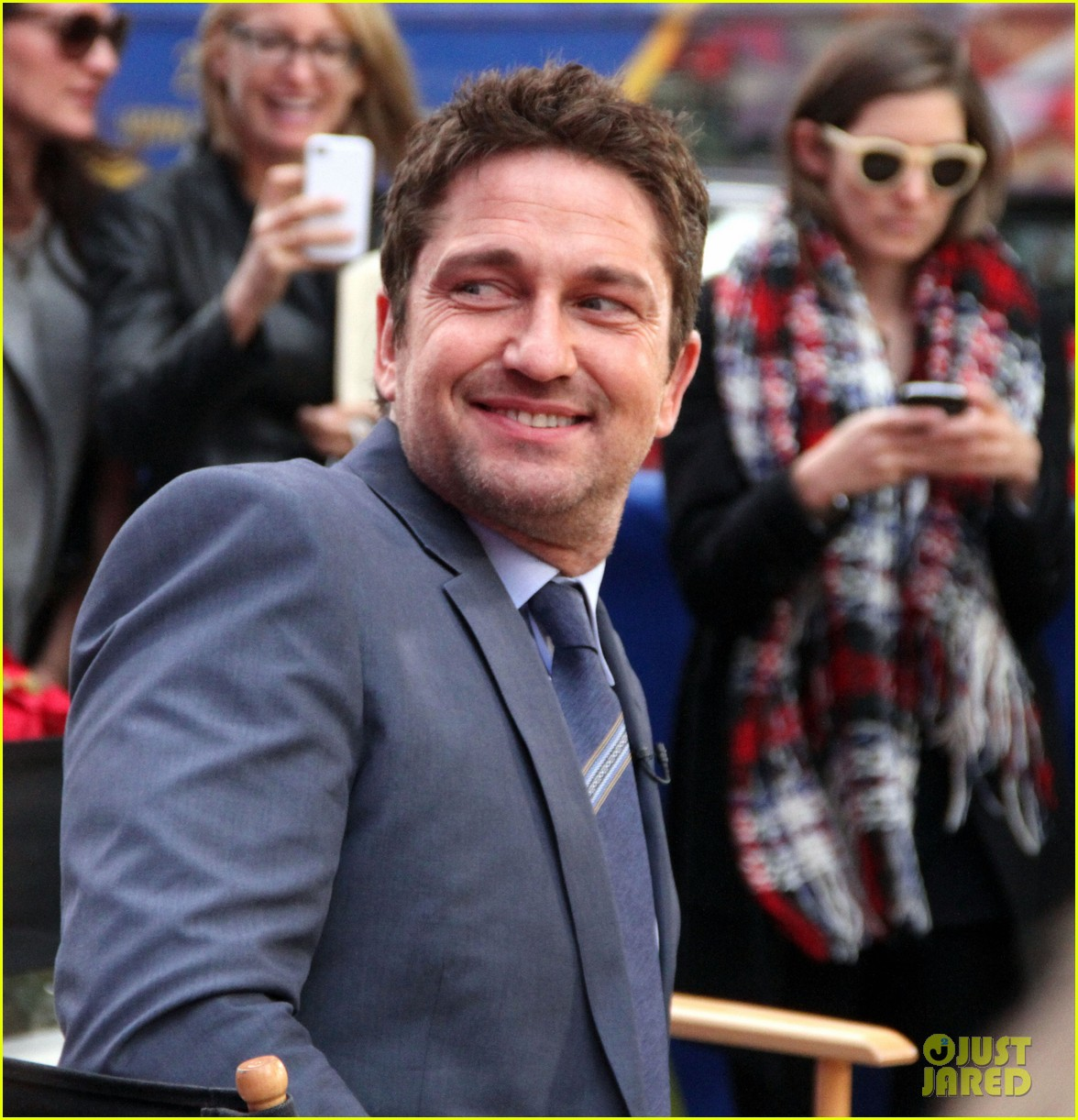 gerard butler promotes playing for keeps on gma 222769730