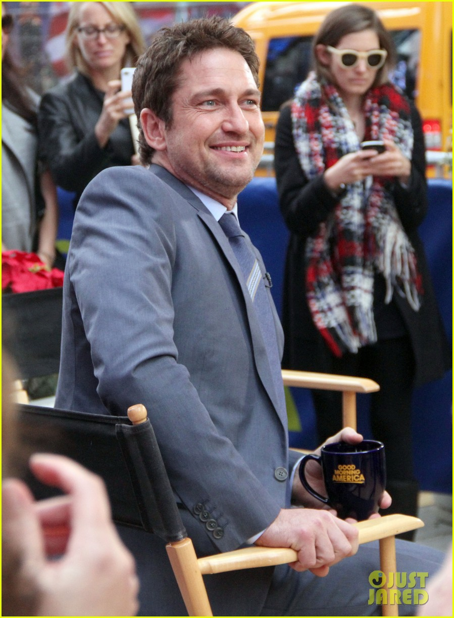 gerard butler promotes playing for keeps on gma 232769731
