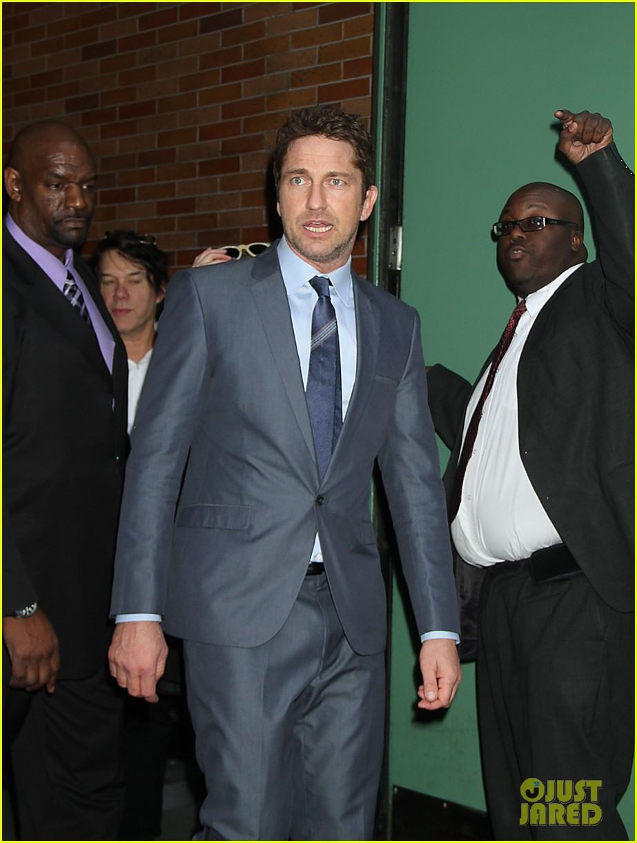 gerard butler promotes playing for keeps on gma 242769732