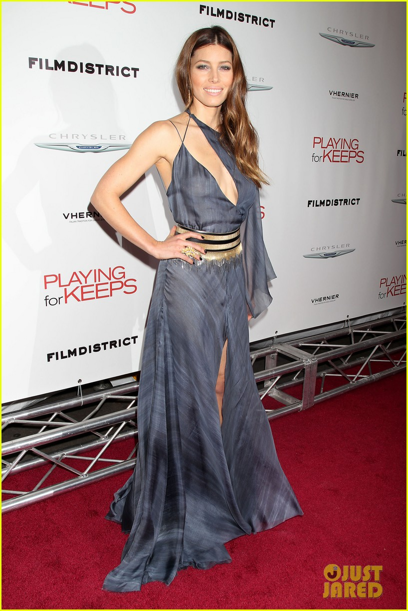 gerard butler jessica biel playing for keeps premiere 032769873