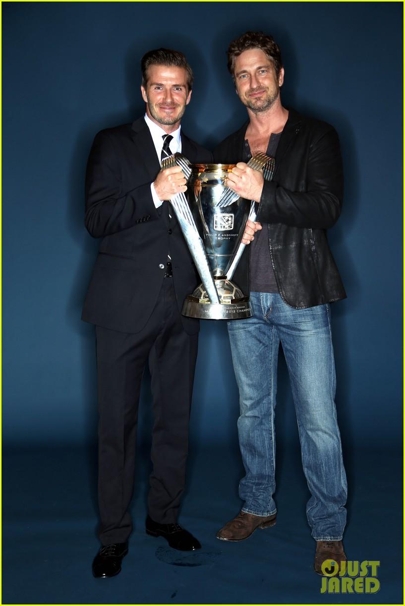 gerard butler mls cup with david beckham 012767593