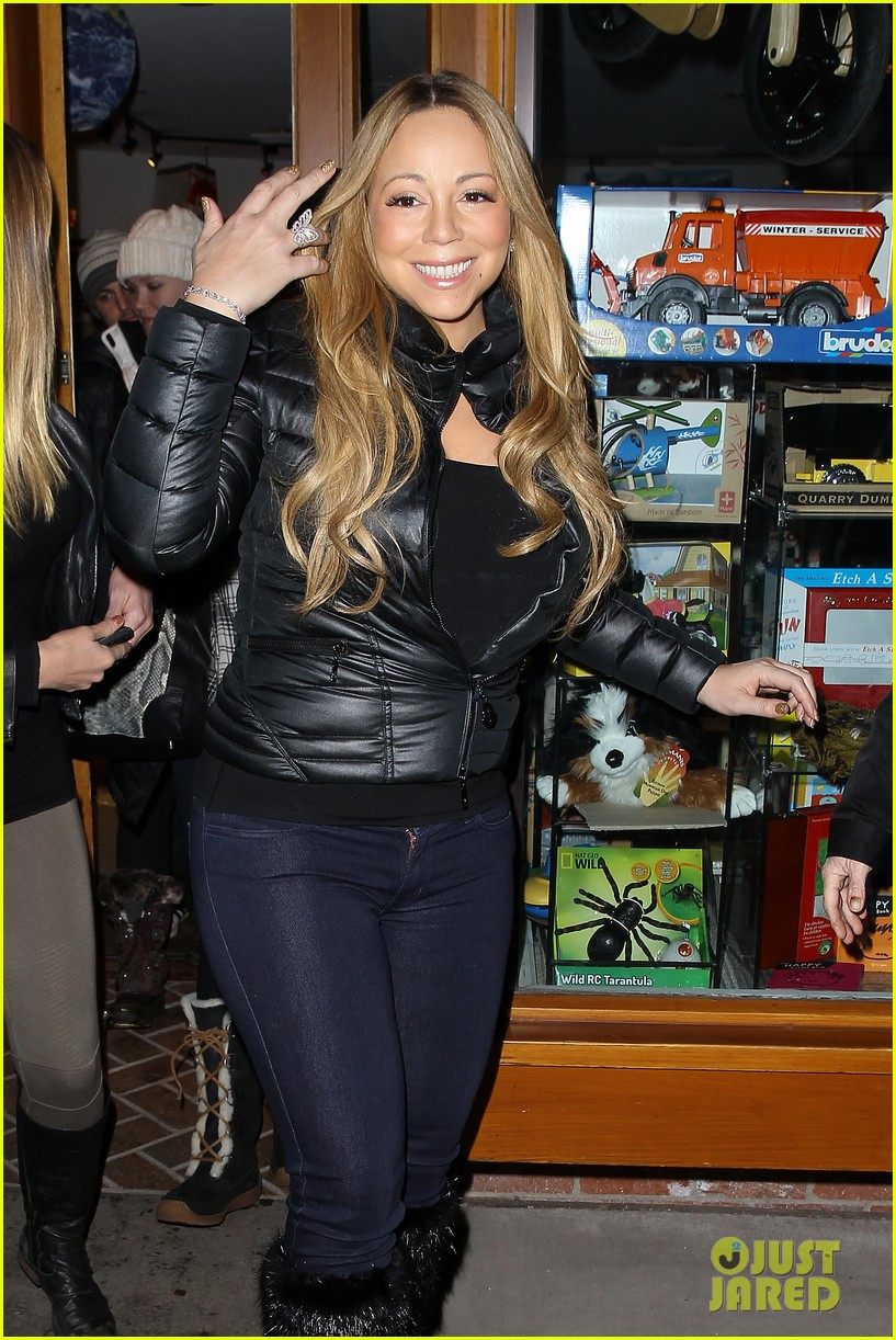 mariah carey im not letting anyone touch presents until christmas day 042780236