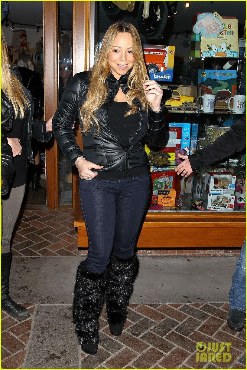 mariah carey im not letting anyone touch presents until christmas day 072780239