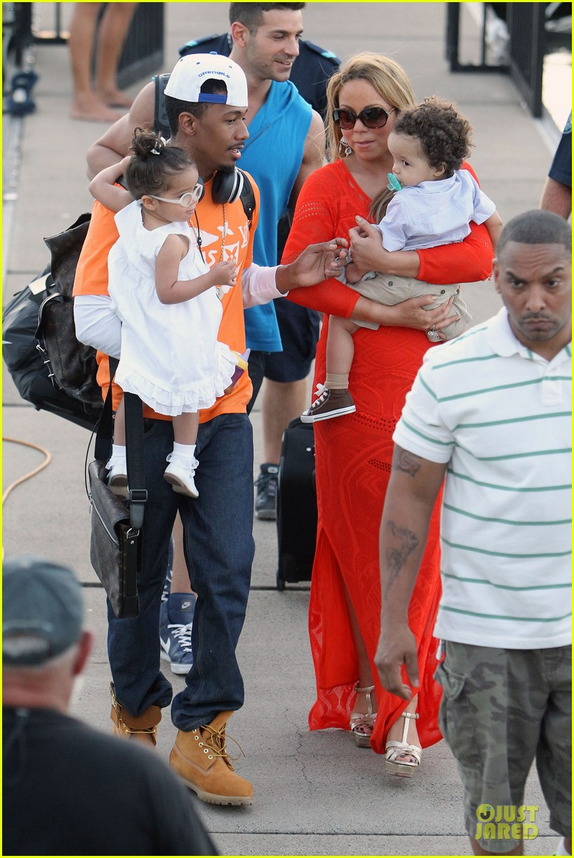 mariah carey & nick cannon australia sailing with the twins 12