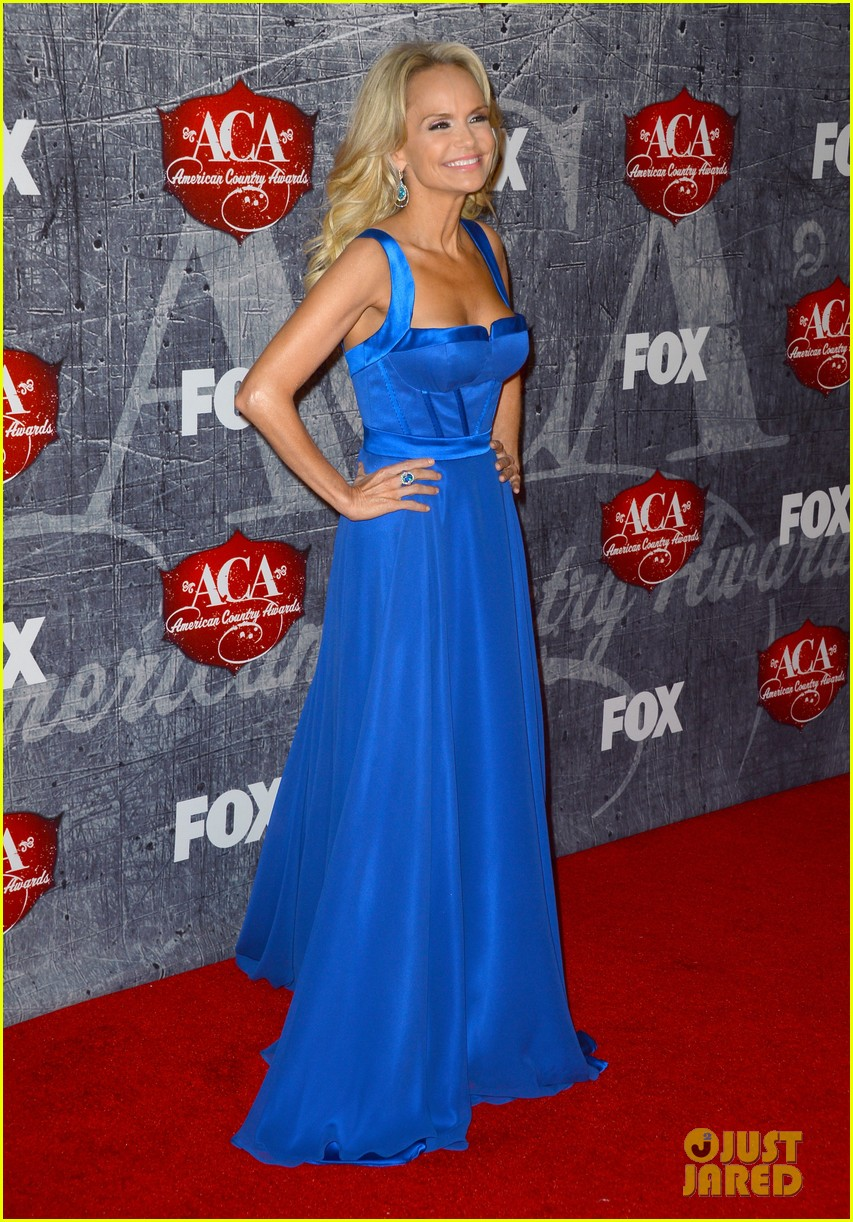 kristin chenoweth scotty mccreery acas 2012 red carpet 132773219