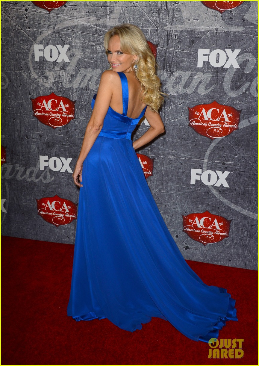 kristin chenoweth scotty mccreery acas 2012 red carpet 15