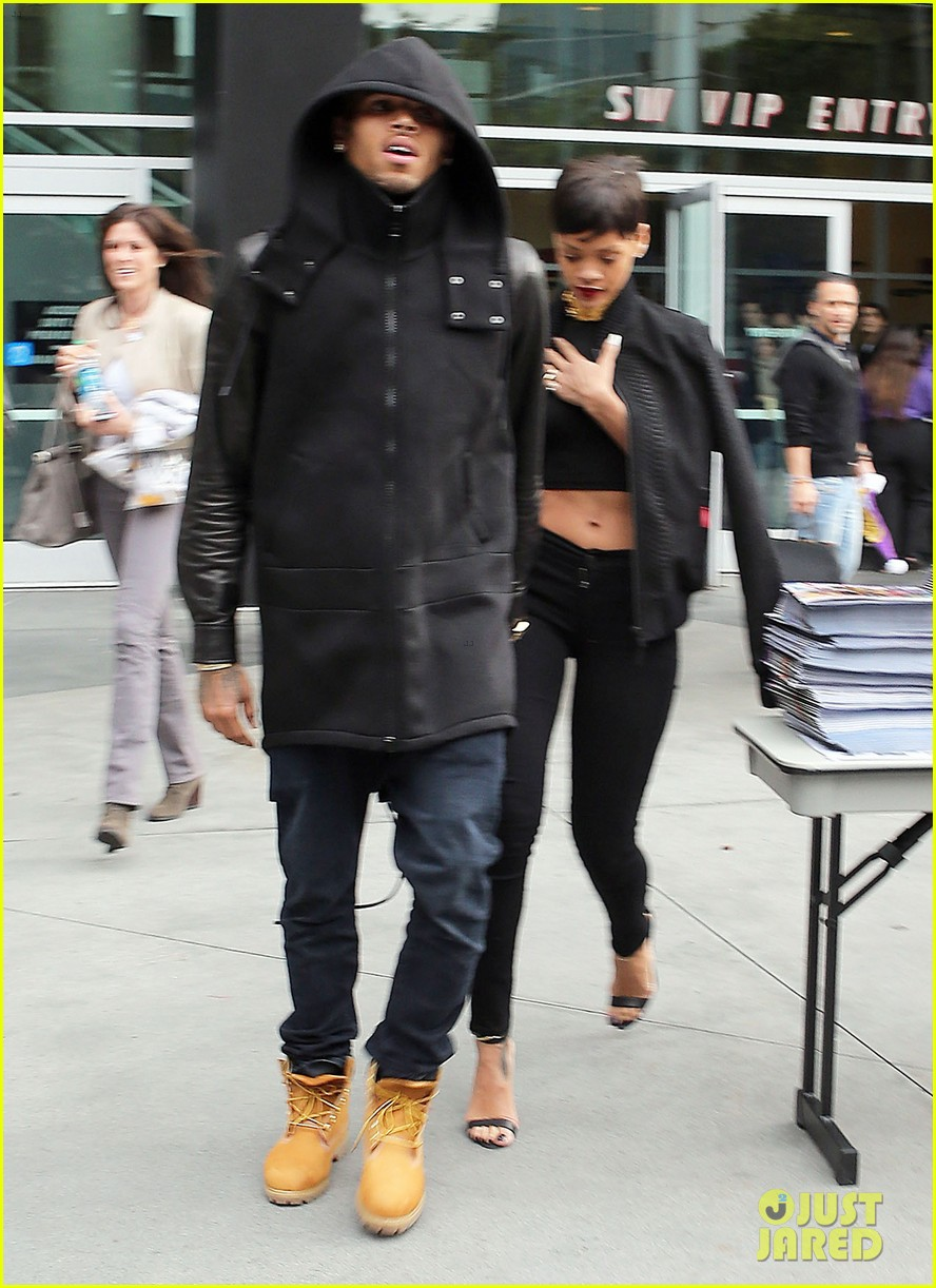 chris brown rihanna christmas pic 072780943